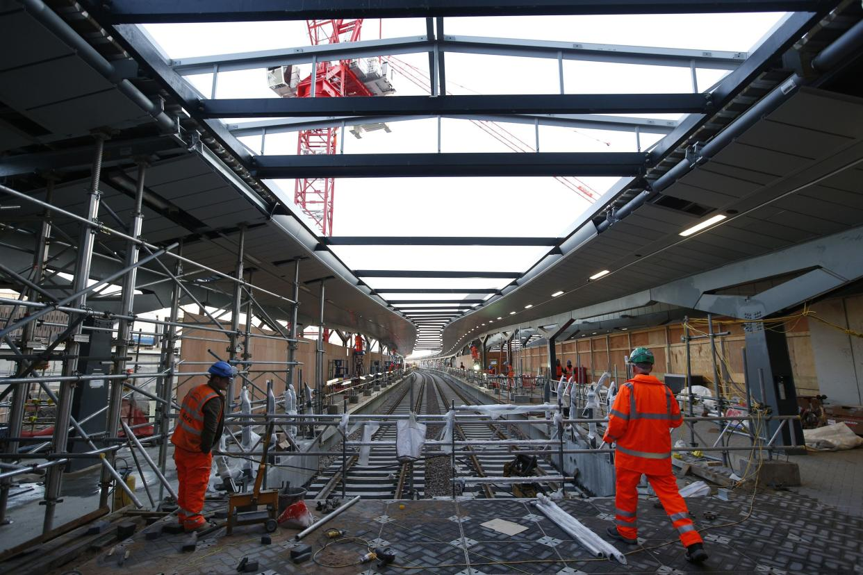 Construction work on what will eventually be the new platforms ten (left) and eleven (right) at London Bridge railway station, Southwark, London as the capital's oldest station undergoes rebuilding as part of the �6.5bn Thameslink Programme. PRESS ASSOCIATION Photo. Picture date: Monday November 24, 2014.  From Saturday 20 December 2014 to Sunday 4 January 2015 inclusive, Southern and Thameslink trains will not call at London Bridge. Also, from Monday 22 to Wednesday 24 December some Southeastern Charing Cross services will not call at London Bridge in the morning peak as work continues. Photo credit should read: Jonathan Brady/PA Wire
