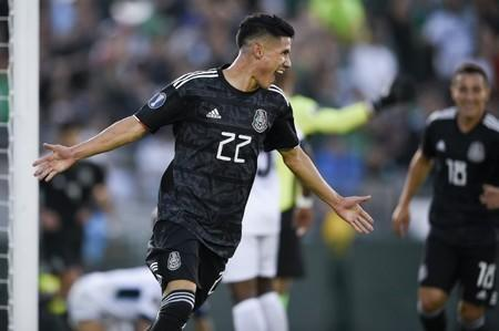Antuna hat trick helps Mexico to Cuba rout in Gold Cup opener