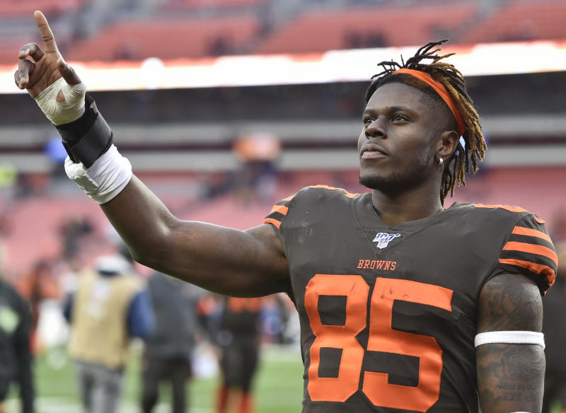 Cleveland Browns tight end David Njoku celebrates after the Browns defeated the Cincinnati Bengals 27-19 in an NFL football game, Sunday, Dec. 8, 2019, in Cleveland. The Browns won 27-19. (AP Photo/David Richard)