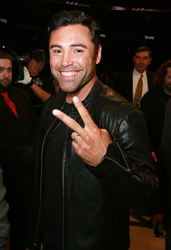 "Boxer Oscar de la Hoya peaces out after witnessing a night of bloody brawling. Tiffany Rose/<a href=""http://www.wireimage.com"" target=""new"">WireImage.com</a> - January 24, 2009"