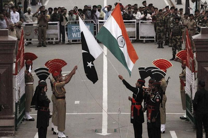 Pakistan Says Will Restore Afghanistan's Exports Via Wagah Border with India from Wednesday