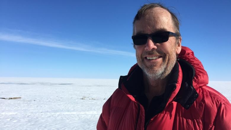 One man's quest to journey from Pacific to Arctic Ocean continues on Great Slave Lake