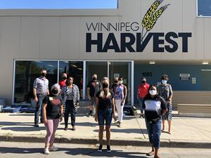 Rogers employees in Winnipeg volunteered at Winnipeg Harvest as part of the Step Up to the Plate initiative with Food Banks Canada. Through food hampers provided to local area food banks, the initiative will see more than 393,000 local meals for 18,000 Manitobans in need. The Rogers team was joined by MLAs Audrey Gordon, Janice Morley-Lecomte and Andrew Smith.