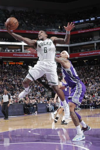 SACRAMENTO, CA - FEBRUARY 27: Eric Bledsoe #6 of the Milwaukee Bucks shoots the ball against the Sacramento Kings on February 27, 2019 at Golden 1 Center in Sacramento, California. (Photo by Rocky Widner/NBAE via Getty Images)
