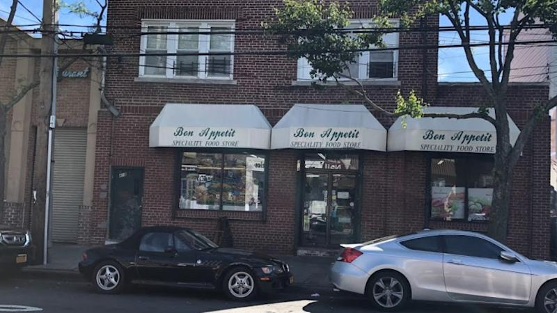 Bon Appetit' in Queens, where a NYCPD officer allegedly found a razor inside of his sandwich.