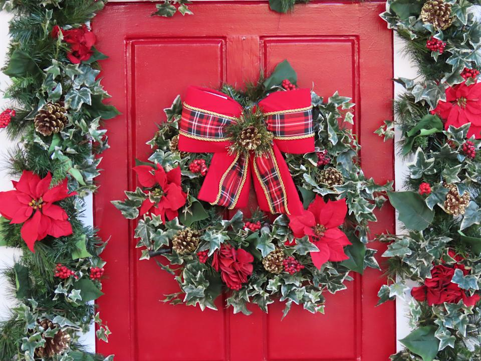Celebrities are all over doorscaping this festive season. (Getty Images)