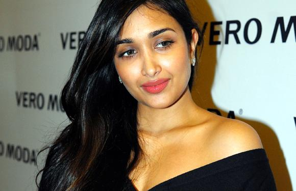 9. Not many people would know the fact that Jiah Khan was inspired to enter Bollywood after watching Ram Gopal Verma's former protégé Urmila Matondkar's movie 'Rangeela' at the age of six.