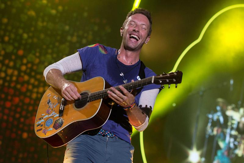 LA PLATA, ARGENTINA - NOVEMBER 14: Chris Martin of Coldplay performs during the 'A Head Full Of Dreams' Tour at Ciudad de La Plata Stadium on November 14, 2017 in La Plata, Argentina. (Photo by Santiago Bluguermann/Getty Images)