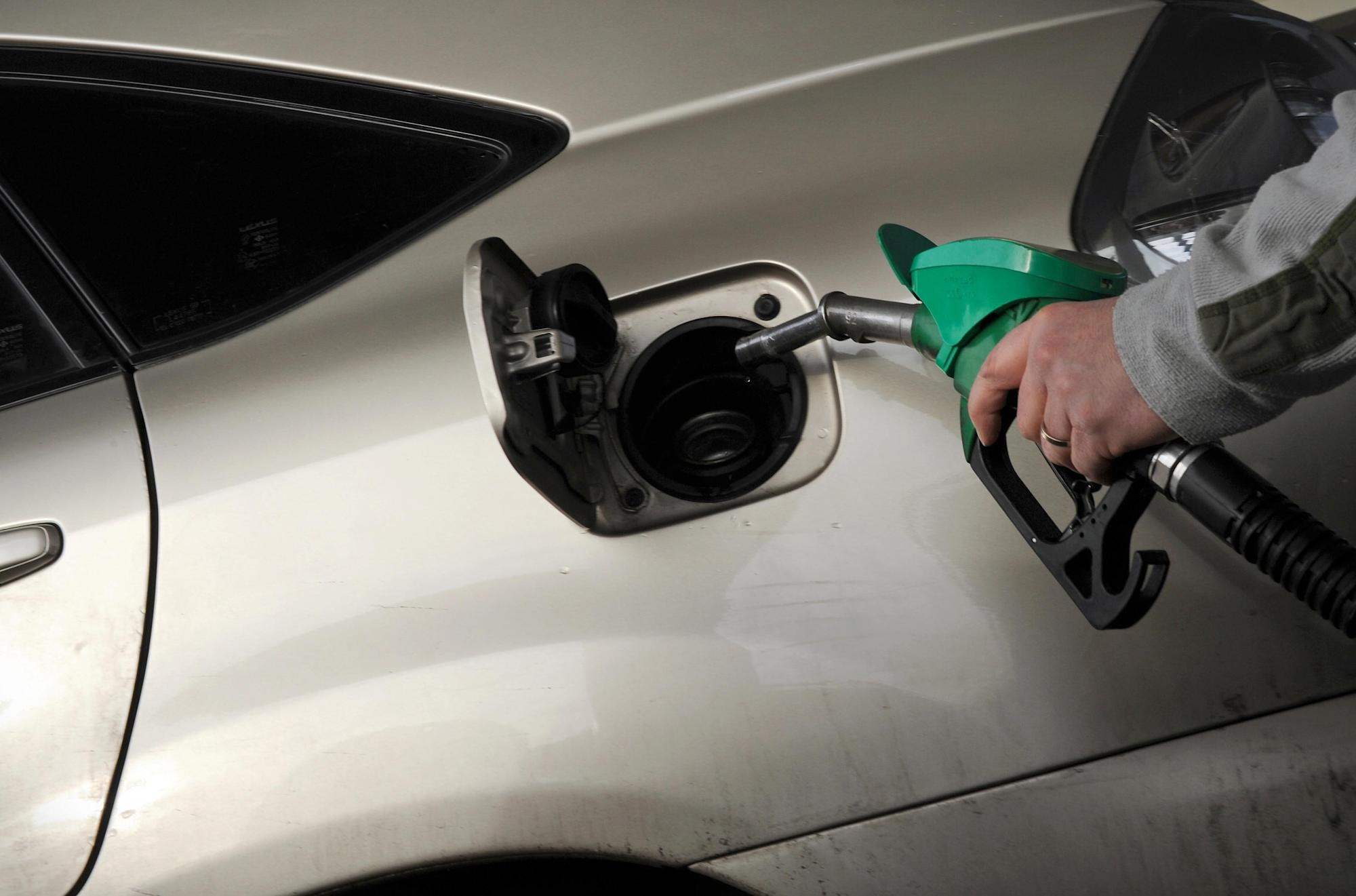 UK expected to ban new petrol and diesel cars from 2030