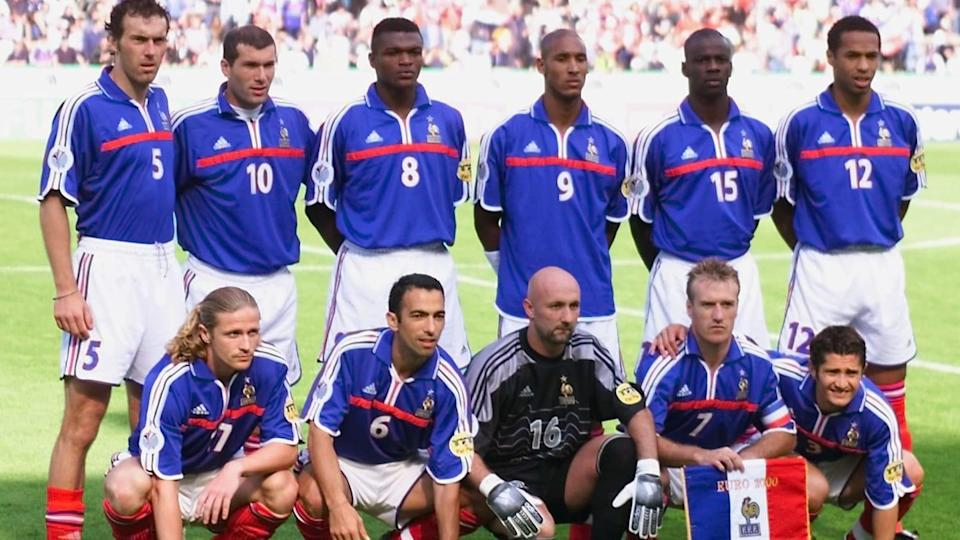 French national soccer team players pose for the o | OLIVIER MORIN/Getty Images
