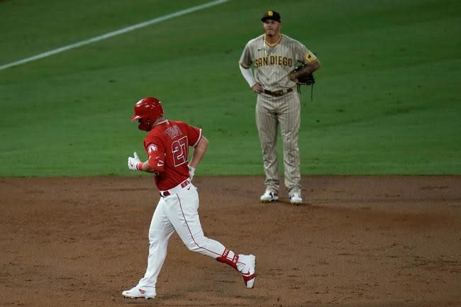 Castro gets big hit after trade, Padres rout Angels 11-4