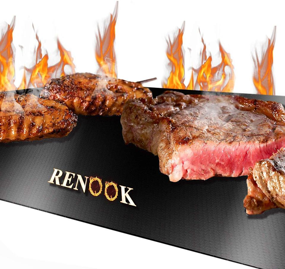 Renook Heavy Duty Grill Mat. Image via Amazon.