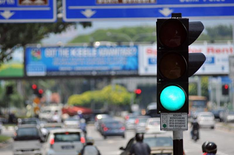 PSM central committee member Choo Chon Kai says the Penang government should impose a fee on motorists driving during peak traffic hours to reduce the state's chronic congestion. ― Picture by KE Ooi