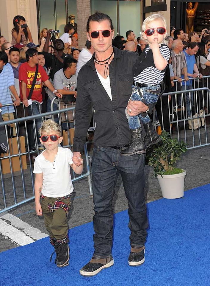 "Bush frontman Gavin Rossdale and his sons Kingston, 4, and Zuma, 2, walked the blue carpet at the ""Gnomeo & Juliet"" premiere at the El Capitan Theatre in Hollywood Sunday. Mom Gwen Stefani would have been so proud of her little rock stars! Jordan Strauss/<a href=""http://www.wireimage.com"" target=""new"">WireImage.com</a> - January 23, 2011"