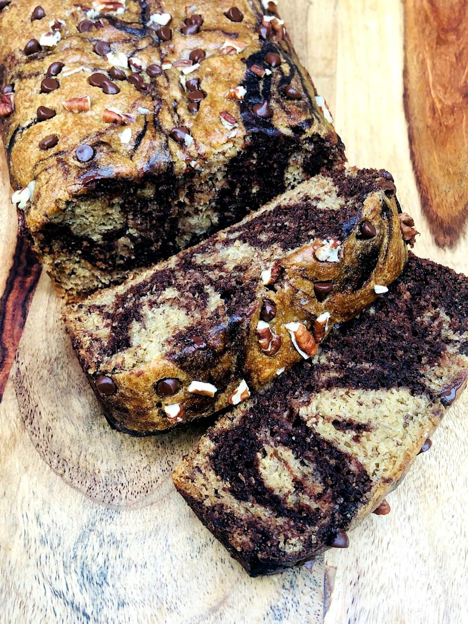 "<p>This vegan recipe is the perfect marriage between regular and chocolate banana bread, requires one bowl, and is done baking in 45 minutes. </p> <p><strong>Calories:</strong> 212 per slice<br> <strong>Protein:</strong> 9.9 grams</p> <p><strong>Get the recipe:</strong> <a href=""https://www.popsugar.com/fitness/marbled-protein-chocolate-banana-bread-recipe-47520069"" class=""link rapid-noclick-resp"" rel=""nofollow noopener"" target=""_blank"" data-ylk=""slk:vegan chocolate marbled banana protein bread"">vegan chocolate marbled banana protein bread</a></p>"
