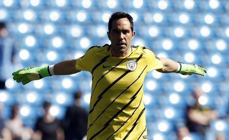 Britain Football Soccer - Manchester City v Hull City - Premier League - Etihad Stadium - 8/4/17 Manchester City's Claudio Bravo before the match Reuters / Andrew Yates Livepic