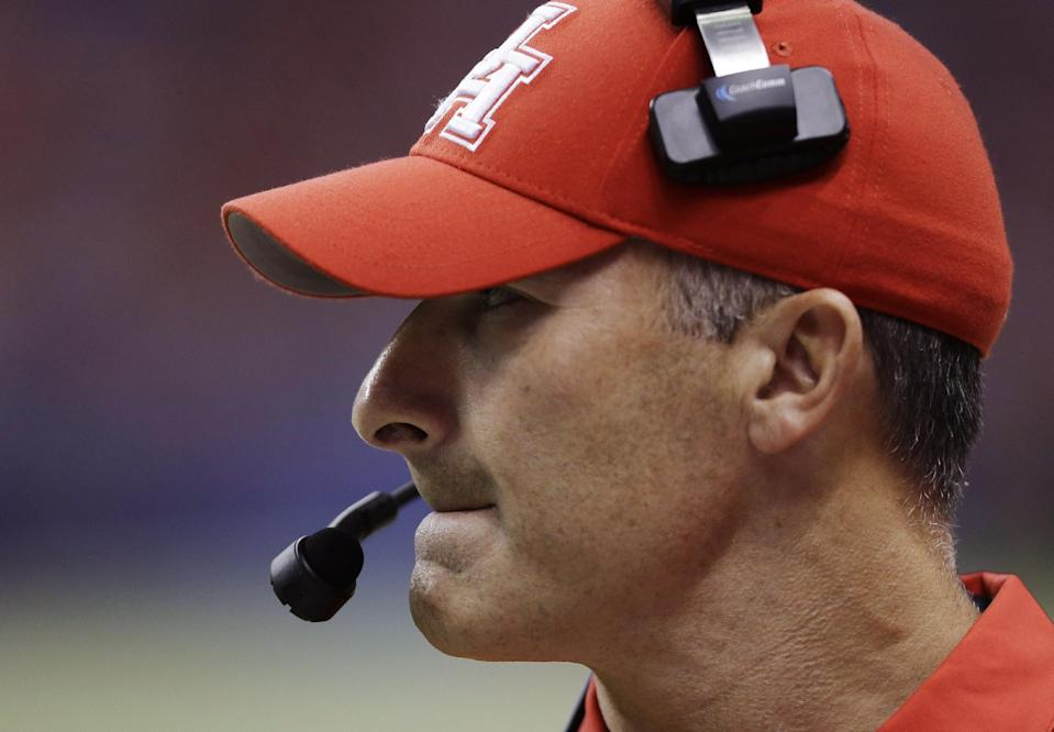 Houston head coach Tony Levine watches from the sidelines during the first half of an NCAA college football game against Texas San Antonio, Saturday, Sept. 28, 2013, in San Antonio. (AP Photo/Eric Gay)