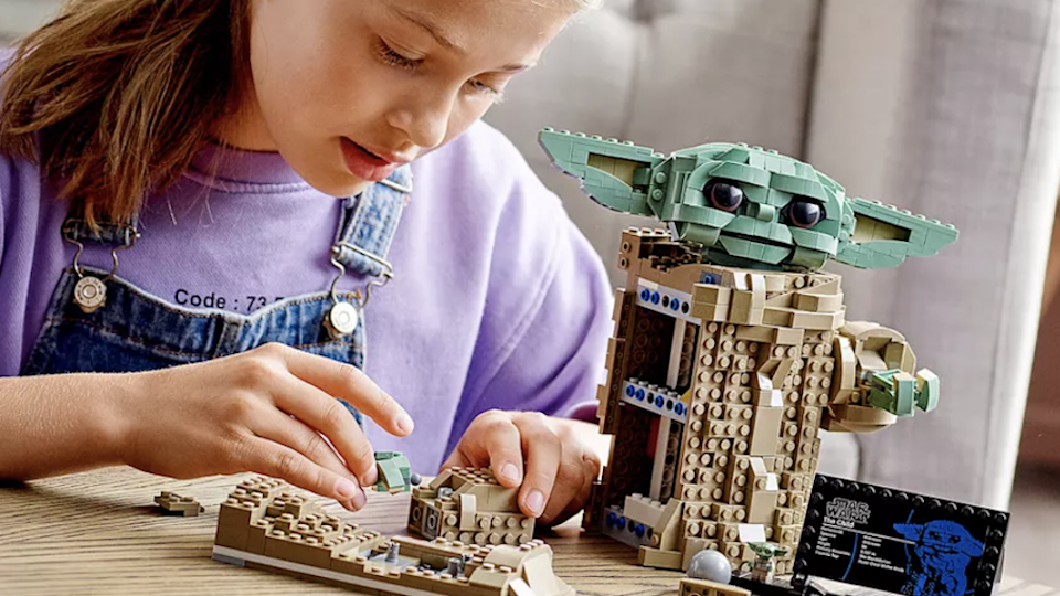 Gifts for Disney lovers: Lego 'Star Wars: The Mandalorian' The Child building kit