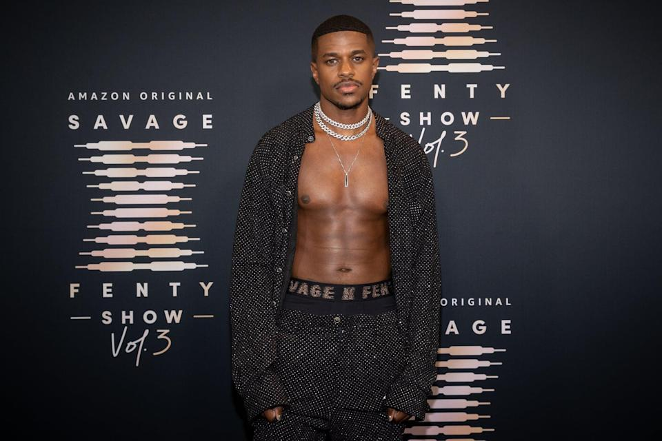 <p>God bless Jeremy and his abs, amen.</p>
