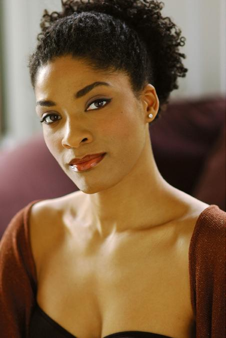 "This undated photo released by Jeffrey Richards Associates shows Alicia Hall Moran who will lead the national tour of the musical ""Porgy and Bess,"" that kicks off a 14-state tour this weekend in San Francisco. (AP Photo/Jeffrey Richards Associates)"