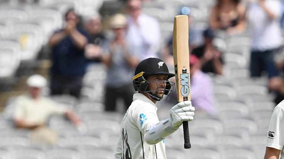 Conway hits century to keep NZ on top against England