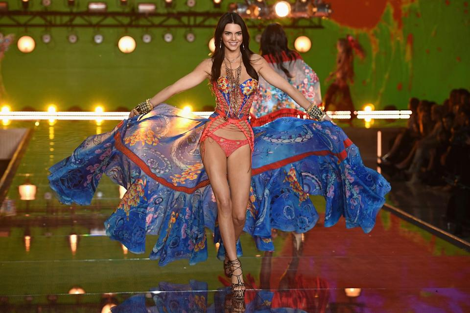 <p>Kendall Jenner also made her first appearance in a very colourful number. [Photo: Getty] </p>