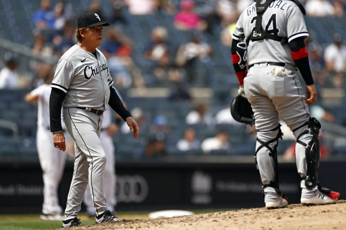 Chicago White Sox manager Tony La Russa makes a pitching change during the fifth inning of a baseball game against the New York Yankees on Saturday, May 22, 2021, in New York. (AP Photo/Adam Hunger)