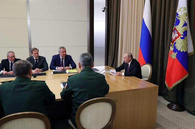 Russian President Vladimir Putin chairs a meeting with Defence Ministry officials and representatives of the military industrial complex on key issues of the Armed Forces development in the Black Sea resort of Sochi, Russia May 17, 2018. Sputnik/Mikhail Klimentyev/Kremlin via REUTERS ATTENTION EDITORS - THIS IMAGE WAS PROVIDED BY A THIRD PARTY.
