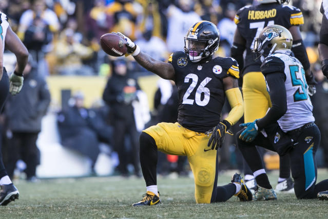 Le'Veon Bell hasn't played since the Steelers' loss to the Jaguars in the AFC playoffs last season. (Icon Sportswire)