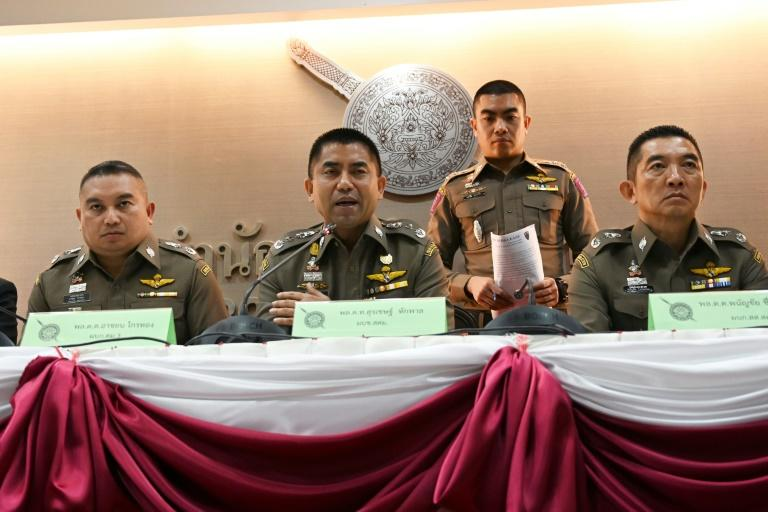 """Her father and brother arrived in Bangkok on Tuesday, but Qunun """"refused to see"""" them, according to Thai immigration police chief Surachate Hakparn (C)"""