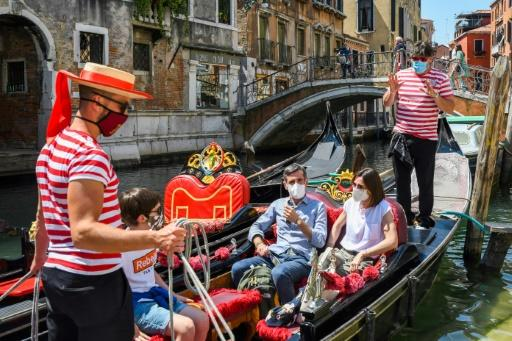 Italy's national health institute is launching a pilot study on priority sites identified in tourist resorts to detect and monitor the circulation of the coronavirus