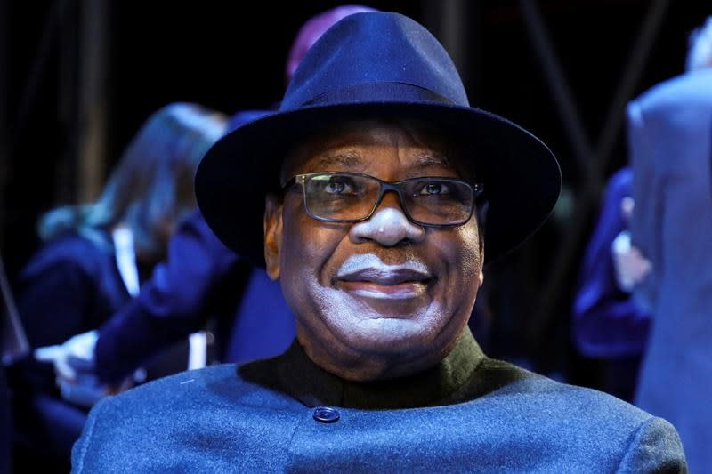 Mali's president announces resignation after armed mutiny