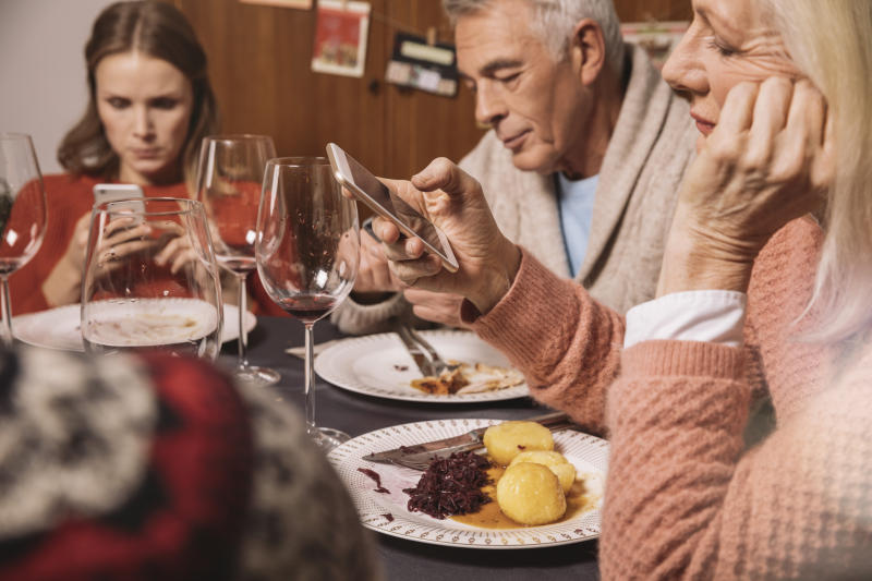 Festive family fall-outs are common over the Christmas period [Photo: Getty]