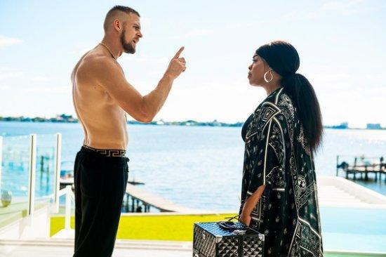 Jack Kesy as Roller and Niecy Nash as Desna in 'Claws' (Photo: TNT)