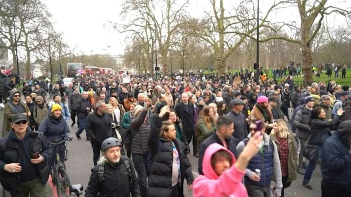 Thousands march in London against lockdown