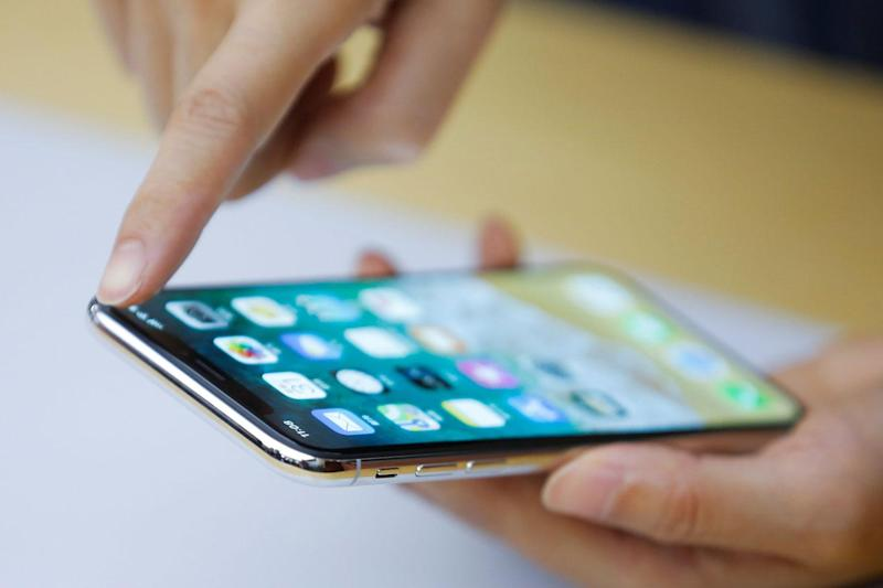 Frozen screen: some iPhone X handsets become less responsive in cold weather