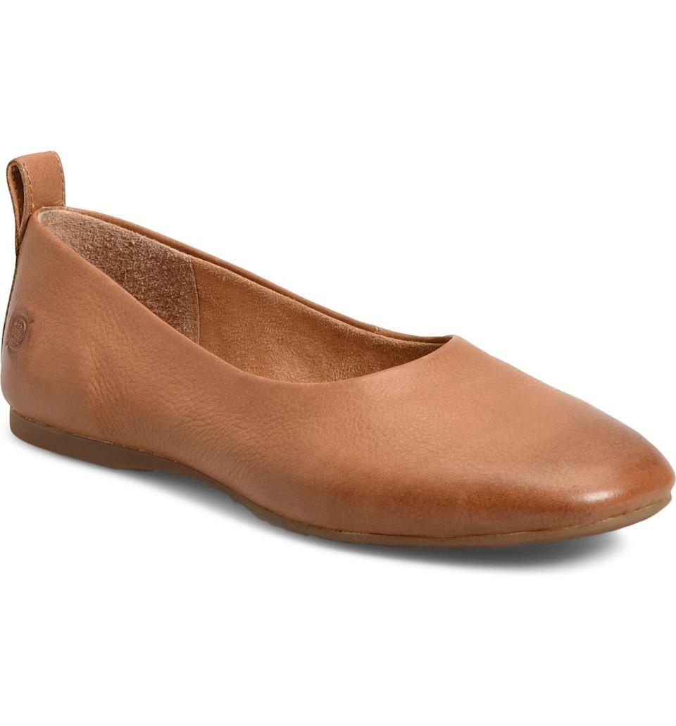 """<h2>Børn Beca Flat<br></h2><br>This comfort-footwear brand usually gets high marks for foot hugs (in lieu of high style), but this glove-style, high-throated flat resembles what we're used to seeing on pricier independent brands. Reviewer seattleskylark called the flats """"keepers"""", noting that the silhouette is """"a stylish update for Børn."""" They continued: """"I just ordered these in two colors and am keeping both! I'm a standard size 9, they fit perfectly and are incredibly comfortable right out of the box."""" In addition, they """"appreciate the padding that is sometimes absent with flats.""""<br><br><em>Shop <strong><a href=""""https://www.nordstrom.com/brands/brn--98"""" rel=""""nofollow noopener"""" target=""""_blank"""" data-ylk=""""slk:Born"""" class=""""link rapid-noclick-resp"""">Born</a></strong></em><br><br><strong>Born</strong> Beca Flat, $, available at <a href=""""https://go.skimresources.com/?id=30283X879131&url=https%3A%2F%2Fwww.nordstrom.com%2Fs%2Fborn-beca-flat-women%2F5747506%3F%26color%3D230"""" rel=""""nofollow noopener"""" target=""""_blank"""" data-ylk=""""slk:Nordstrom"""" class=""""link rapid-noclick-resp"""">Nordstrom</a>"""