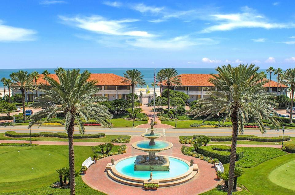 """<p>Ponte Vedra may be a golfer's paradise, but staying at the namesake resort ensures it can be blissful for the entire family. Clay tennis courts, a spa with 100 different services, four pools, 10 dining establishments and beach activities galore make <a href=""""https://www.pontevedra.com/stay/inn-club"""" rel=""""nofollow noopener"""" target=""""_blank"""" data-ylk=""""slk:Ponte Vedra Inn & Club"""" class=""""link rapid-noclick-resp"""">Ponte Vedra Inn & Club </a>your one-stop shop for enjoying the best northeast Florida has to offer all ages. </p>"""