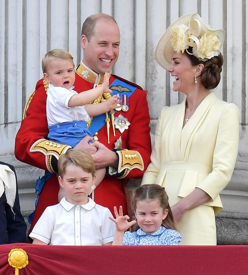 <p>To the delight of his mother, Prince Louis showed off his vigorous royal wave.</p>