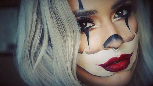"""<p>This clown makeup features the classic white exaggerated lip area that you probably remember seeing as a kid. But this look, which features a brown smoky eye, is much cooler than the one the amateur clown wore at your first-grade birthday party. The key here is to add little details, like <strong>using <a href=""""https://www.cosmopolitan.com/style-beauty/beauty/g27893306/best-brown-eyeliner/"""" rel=""""nofollow noopener"""" target=""""_blank"""" data-ylk=""""slk:brown eyeliner"""" class=""""link rapid-noclick-resp"""">brown eyeliner</a> to smoke out the edges</strong> of the white paint, to make it look professional.</p><p><a href=""""https://www.instagram.com/p/BMAPEjWg0vR/?utm_source=ig_embed&utm_campaign=loading"""" rel=""""nofollow noopener"""" target=""""_blank"""" data-ylk=""""slk:See the original post on Instagram"""" class=""""link rapid-noclick-resp"""">See the original post on Instagram</a></p>"""