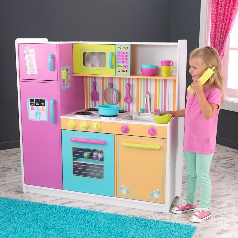 KidKraft Deluxe Big and Bright Kitchen. (Photo: Walmart)