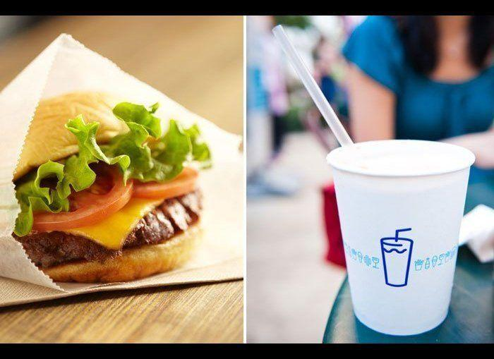 A Single Shackburger at Shake Shack contains 490 calories. Should you decide to top it off with a root beer float or creamsicle float, you'll be right at 1,000 calories. A Single Cheeseburger contains 50 fewer calories than a Shackburger. Replace the float with an unsweetened iced tea—it's calorie free. <em>Photo Credit: Flickr/ John</em>