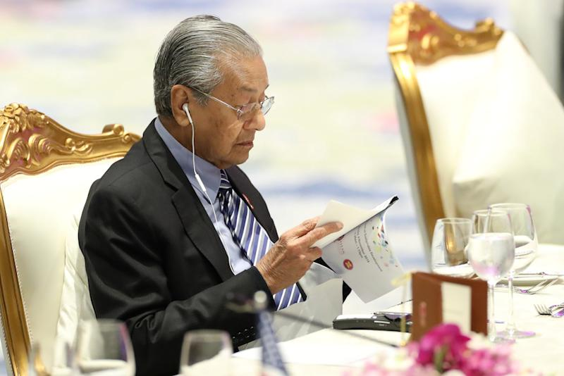 Prime Minister Tun Dr Mahathir Mohamad attend a special lunch on sustainable development on the sidelines of the Asean Summit in Bangkok November 4, 2019. — Reuters pic