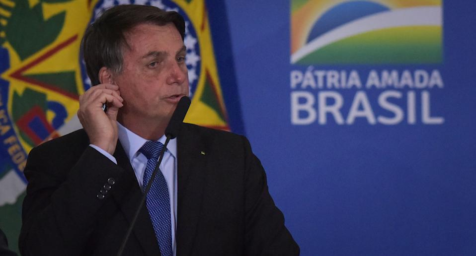 Photo of President Bolsonaro not wearing a face mask. He has tested positive for coronavirus.