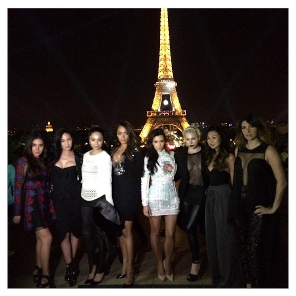 "<p>Kim Kardashian never misses a photo op, so it's no surprise she rounded up her girl gang for a shot in front of the iconic monument before her 2014 wedding. (She reshared the pic a year later.) These days, she has <a rel=""nofollow"" rel=""nofollow"" href=""https://www.yahoo.com/celebrity/six-more-kim-kardashian-robbery-201448149.html"">mixed feelings about the city</a> though. (Photo: <a rel=""nofollow"" rel=""nofollow"" href=""https://www.instagram.com/p/3ASXYGuS_P/?taken-by=kimkardashian"">Kim Kardashian via Instagram</a>) </p>"