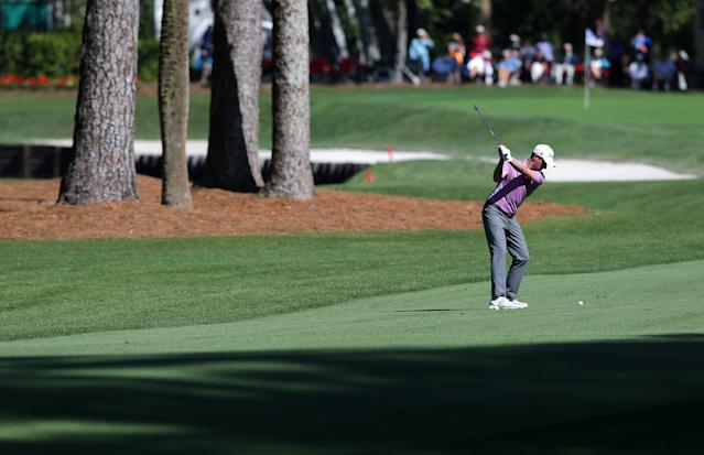 """<h1 class=""""title"""">RBC Heritage - Round One</h1> <div class=""""caption""""> <a class=""""link rapid-noclick-resp"""" href=""""/pga/players/8478/"""" data-ylk=""""slk:Webb Simpson"""">Webb Simpson</a> plays his approach at the eighth hole during the first round of the 2018 RBC Heritage at Harbour Town Golf Links. </div> <cite class=""""credit"""">(Photo by Tyler Lecka/Getty Images)</cite>"""