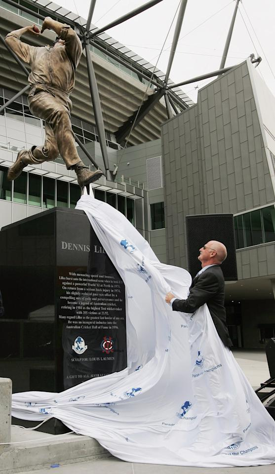 MELBOURNE, AUSTRALIA - DECEMBER 22:  Former Australian cricketer Dennis Lillee unveils a statue of himself which was unveiled as part of the Walk of the Champions at the Melbourne Cricket Ground December 22, 2006 in Melbourne, Australia. Lillee retired in 1984 with a then record of 355 test wickets.  (Photo by Robert Cianflone/Getty Images)