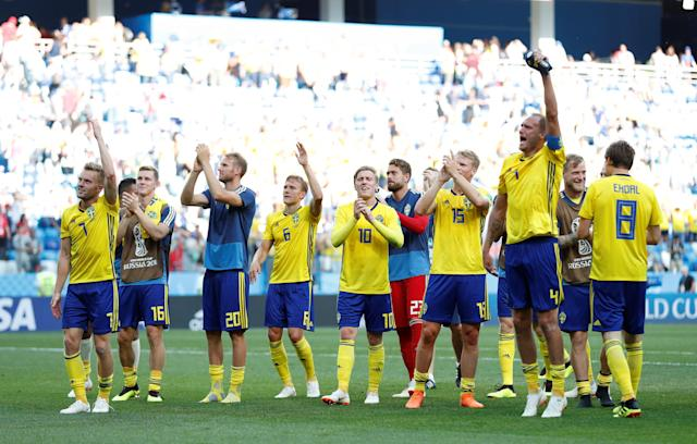 Soccer Football - World Cup - Group F - Sweden vs South Korea - Nizhny Novgorod Stadium, Nizhny Novgorod, Russia - June 18, 2018 Sweden players applaud their fans as they celebrate victory after the match REUTERS/Matthew Childs