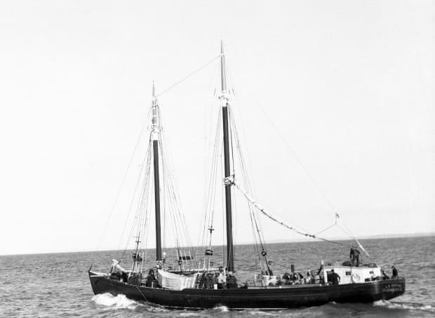 The L.A. Dunton was bought by G&A Buffett of Grand Bank in 1934. Soon after arriving in Newfoundland, changes were made to the schooner, including reducing the amount of sail it carried and building a pilot house over the steering wheel.