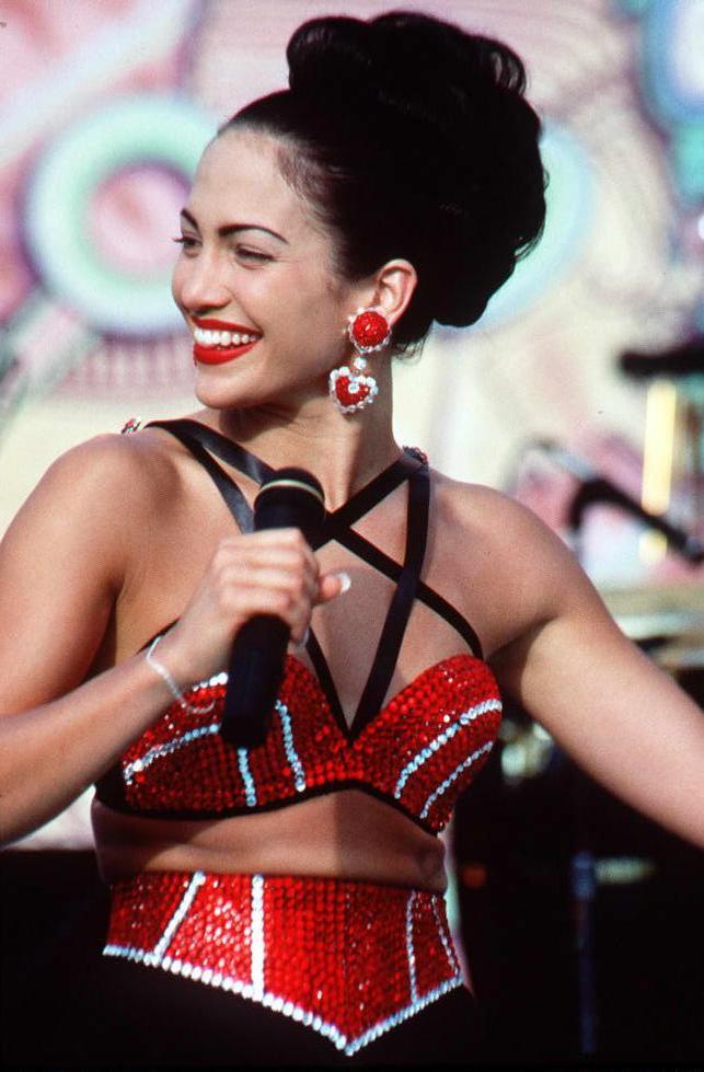 Here S How You Can Copy 9 Iconic Fashion Moments From The Movie Selena